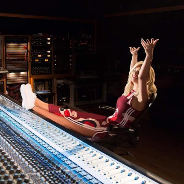 Rita Ora était à l'aise en studio.