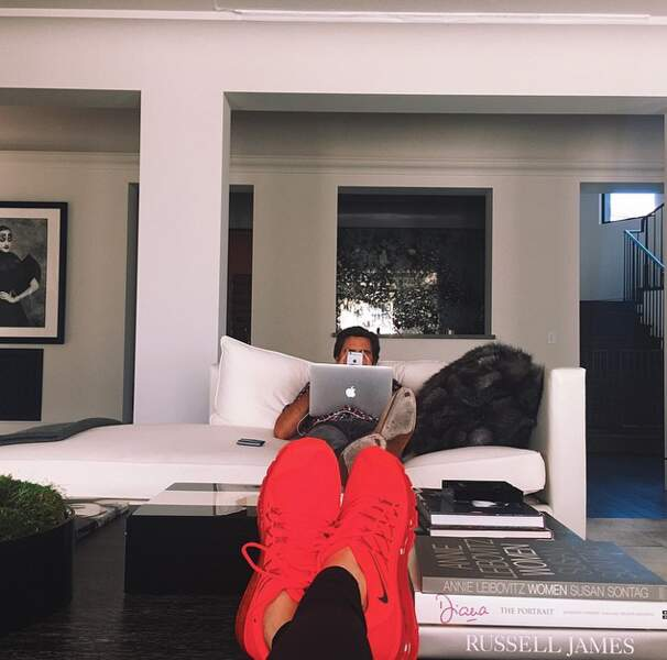 Bonne ambiance chez sa soeur Kendall Jenner...