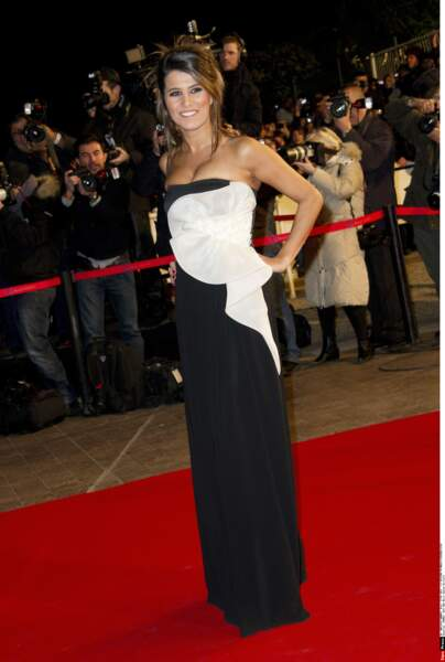 Karine Ferri, jeune animatrice alors sur C8, en 2011, attend son heure.
