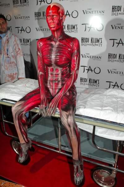 Heidi Klum ressort des archives ses anciens costumes d'Halloween. On vous avait bien dit que c'était la reine...