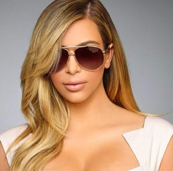 Allez, un peu de glamour made in Hollywood : Kim Kardashian, en tout simplicité