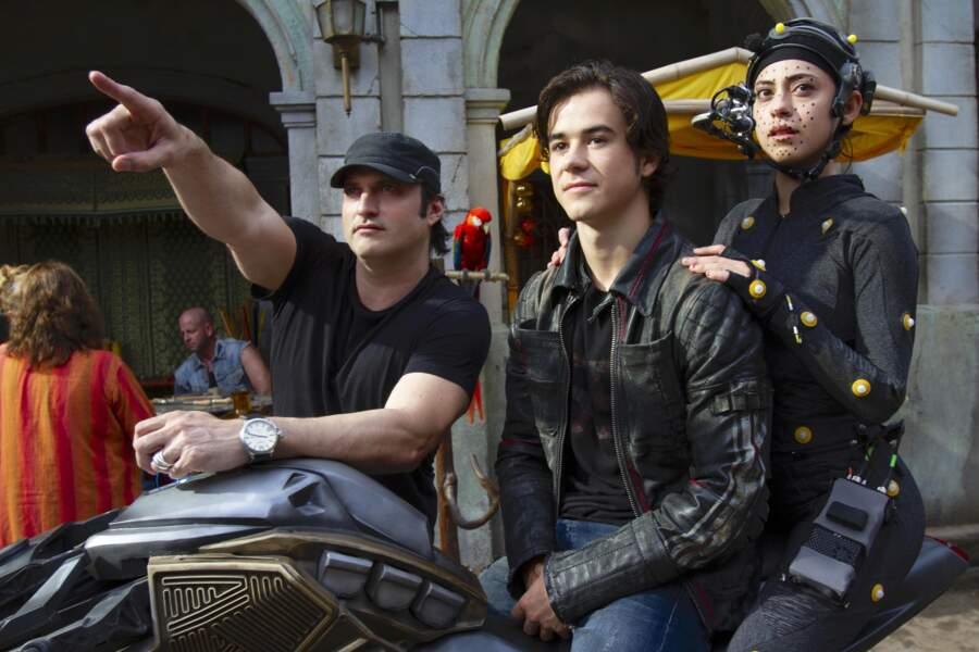 Robert Rodriguez, le réalisateur, avec ses deux comédiens Rosa et Keean lors du tournage.