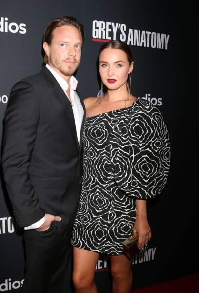 Camilla Luddington s'est mariée en août 2019 avec Matthew Allan, lui aussi acteur. Ils ont déjà une fille, Hayden.