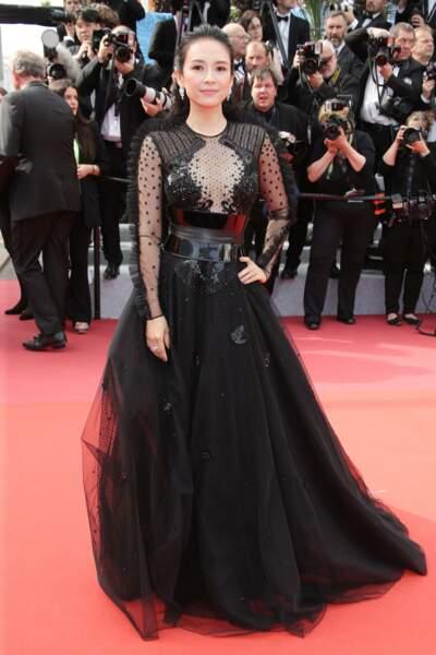 Zhang Ziyi avec une magnifique robe noire