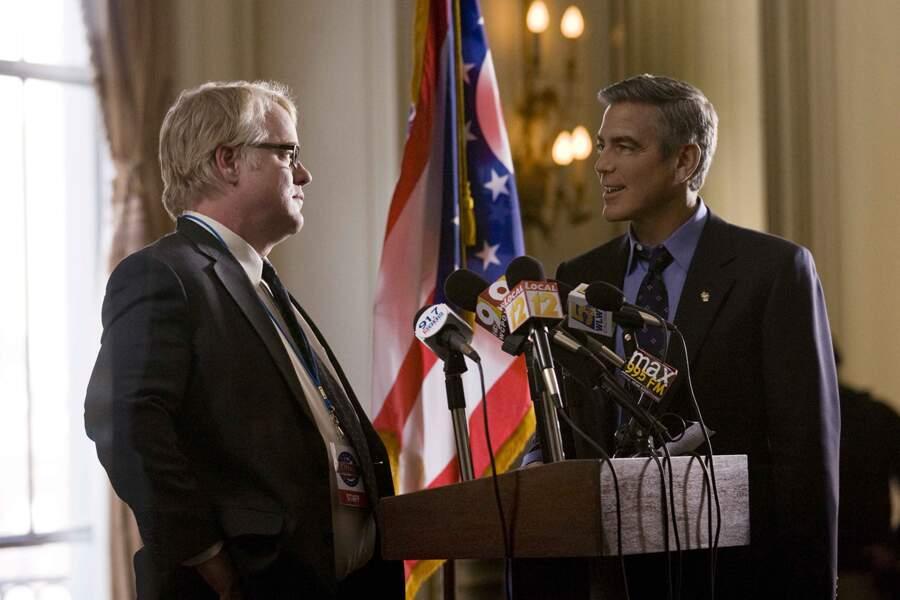 Philip Seymour Hoffman et George Clooney dans Les Marches du Pouvoir (2011)