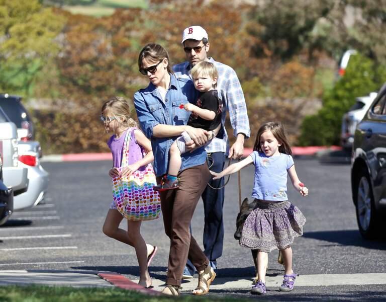 Quelle belle petite famille ! Ici en février 2014