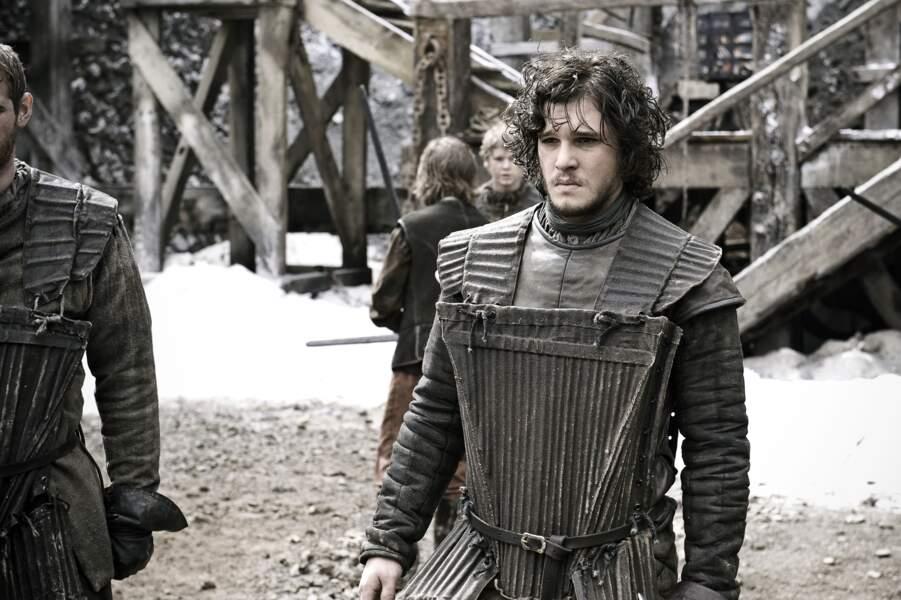 Dans la saison 1, voici Jon et son look d'adolescent