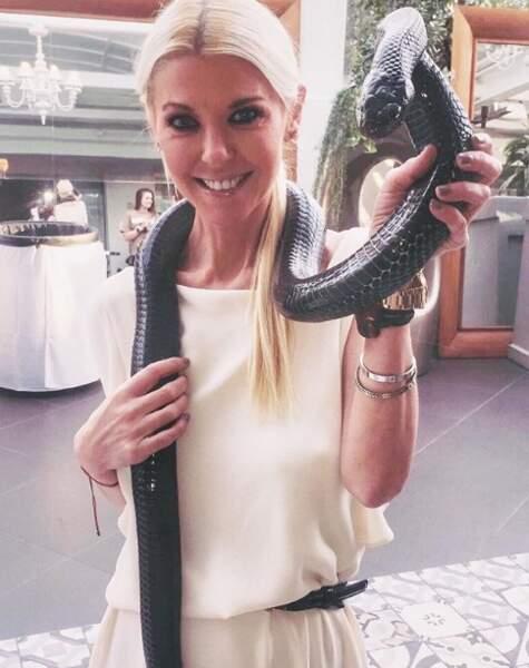 Tara Reid dingue d'un serpent