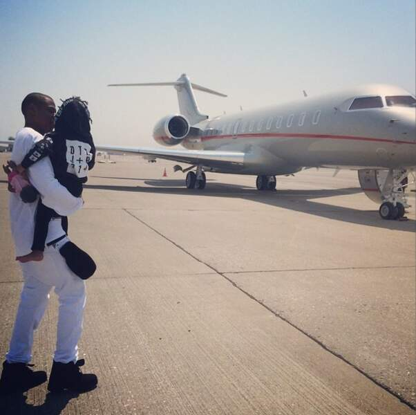 Quand elle ne joue pas les stars avec Jay-Z et Blue Ivy. Décidément, elle adore les jets privés !
