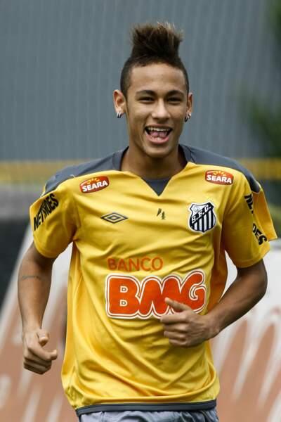 À ses débuts, en 2011, Neymar appréciait les coupes en brosse !