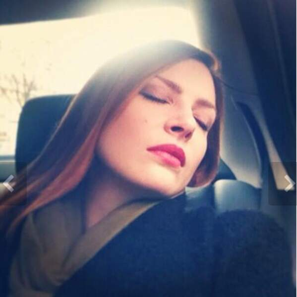 Elodie Frégé s'endort en voiture