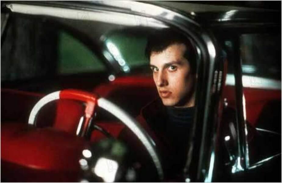 Avec une voiture : Keith Gordon et la Plymouth tueuse dans Christine (1983)
