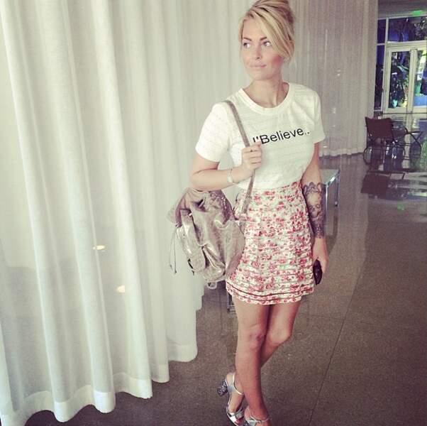 Toujours en vacances avec son amoureux Valentin à Miami...