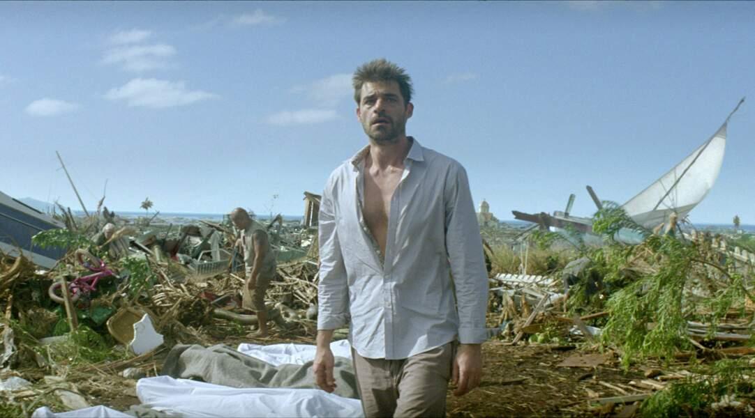 L'acteur incarne un touriste français pris dans le tsunami qui a ravagé la Thaïlande en 2004 dans Au-delà.