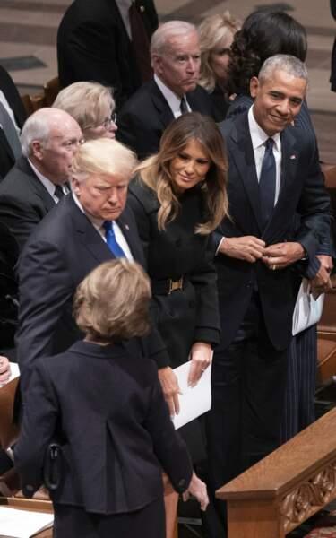 L'ex-Première dame Laura Bush salue le couple Trump