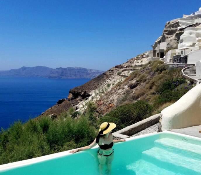 Danielle Panabaker (Flash) est allée chercher le soleil en Grèce