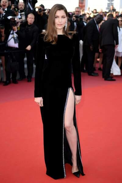 Laetitia Casta était à tomber dans sa robe fendue Saint Laurent pour la projection de The Meyerowitz Stories