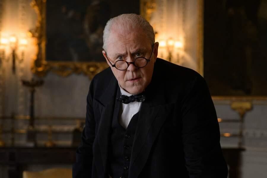 Dans The Crown, l'acteur John Lithgow incarne cette grande figure de la politique britannique