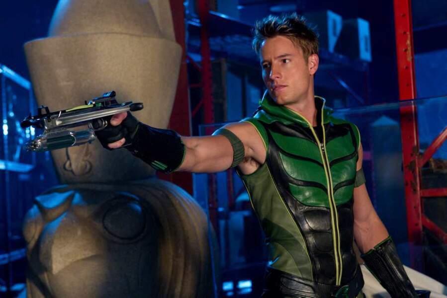 Plus de chapeau ni d'arc mais une combinaison moulante et une arme plus violente dans Smallville