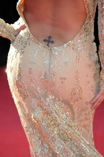 Barack Obama lui a pourtant demandé d'ôter ses tatoos, mais Eva Longoria l'aime bien celui-là...