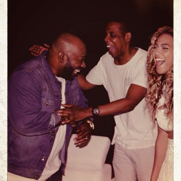 Il y en a aussi où elle rigole avec Jay-Z