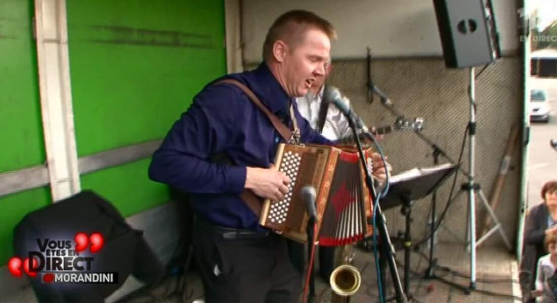 Dany n'a pas manqué l'occasion de montré ses talents d'accordéoniste