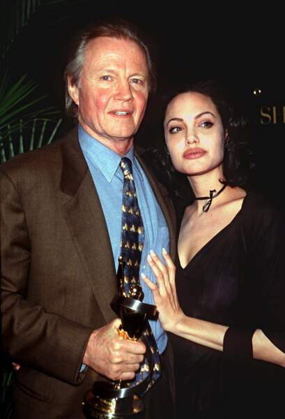 Toujours avec son acteur de père, la jolie brune entend bien conquérir Hollywood