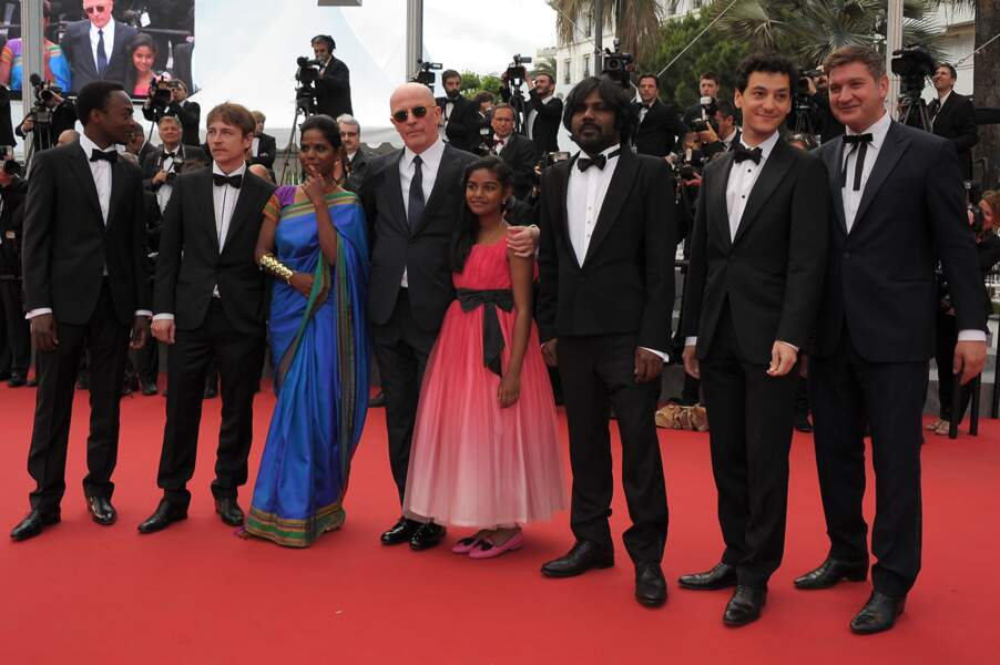 """L'équipe du film """"Dheepan"""" lors de la montée des marches au Festival de Cannes, jeudi 21 mai 2015"""
