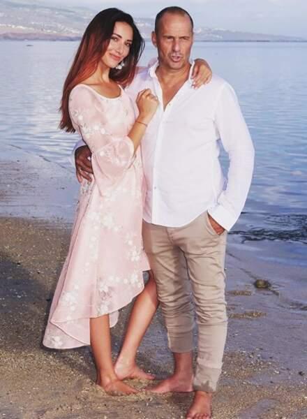 C'est en amoureux que Delphine Wespiser et son compagnon savourent leurs vacances !