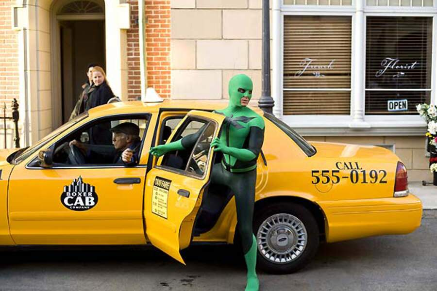 2008 - Super Heros Movie   Bon, quand on ne vole pas, le taxi c'est ce qu'il y a de plus rapide.