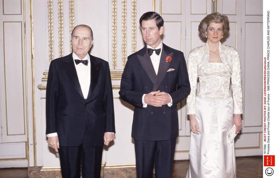 Le couple princier sobre et distingué reçu par François Mitterrand en 1988