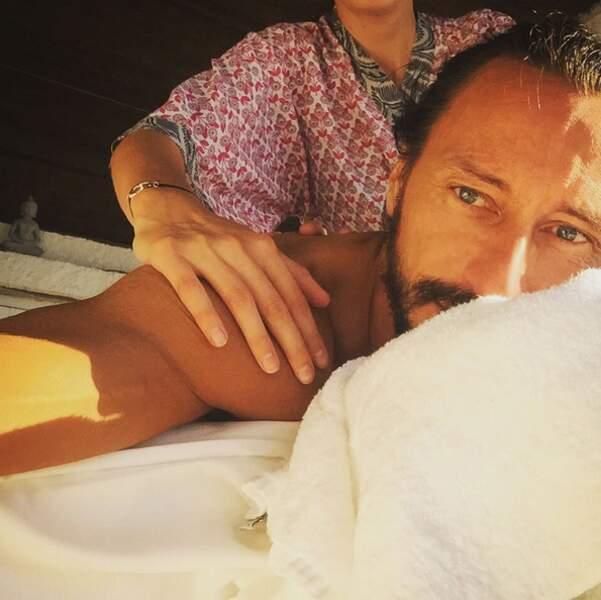 Pause massage pour Bob Sinclar en Corse. On échange ?