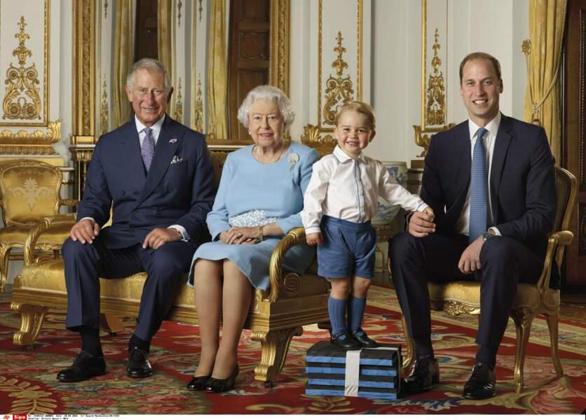 Grand père d'un petit George en 2013, il assure la suite de la dynastie des Windsor. La reine aussi est aux anges !