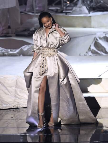 Rihanna avait choisi le volume pour venir chercher un prix...