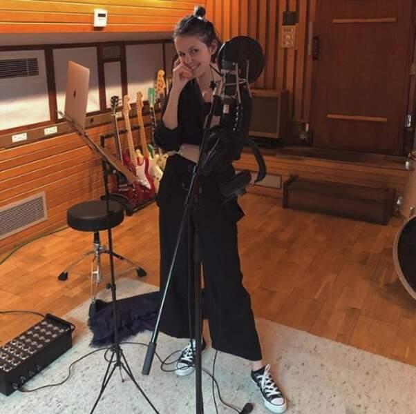 Les fans de Marina Kaye seront ravis d'apprendre qu'elle est de retour en studio.