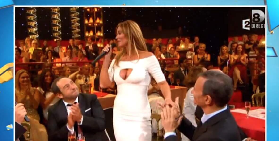 Presque aussi beau que la robe blanche ULTRA décolletée d'Ingrid Chauvin