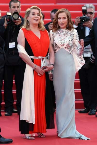 Catherine Deneuve et Isabelle Huppert, la police du style vous demande d'arrêter immédiatement !