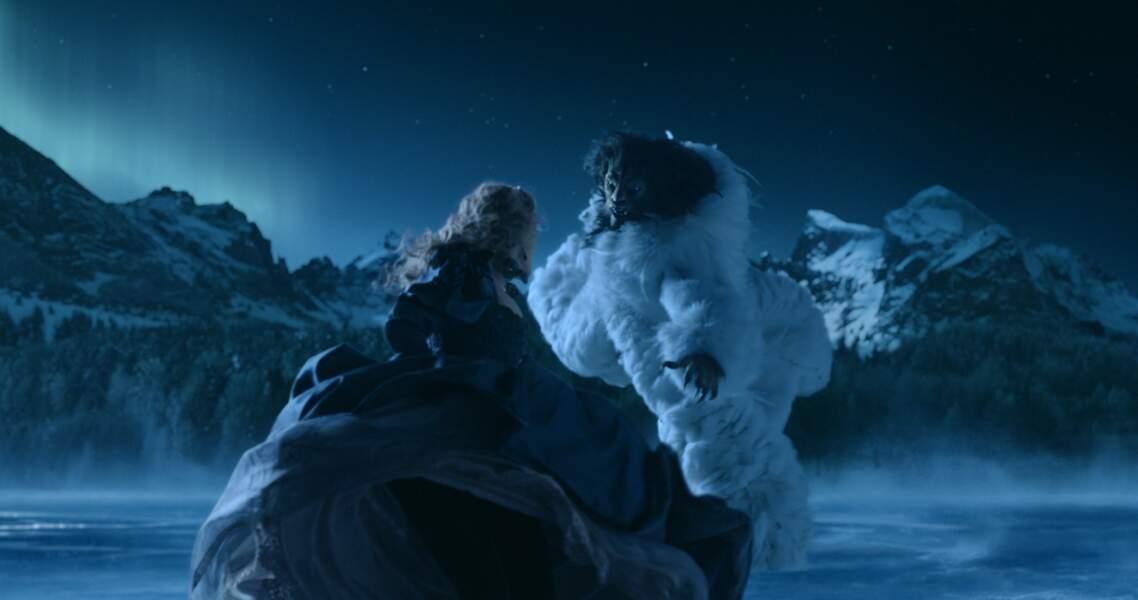 Avec une bête (bis): Léa Seydoux et Vincent Cassel dans La Belle et la Bête de Christophe Gans (2014)