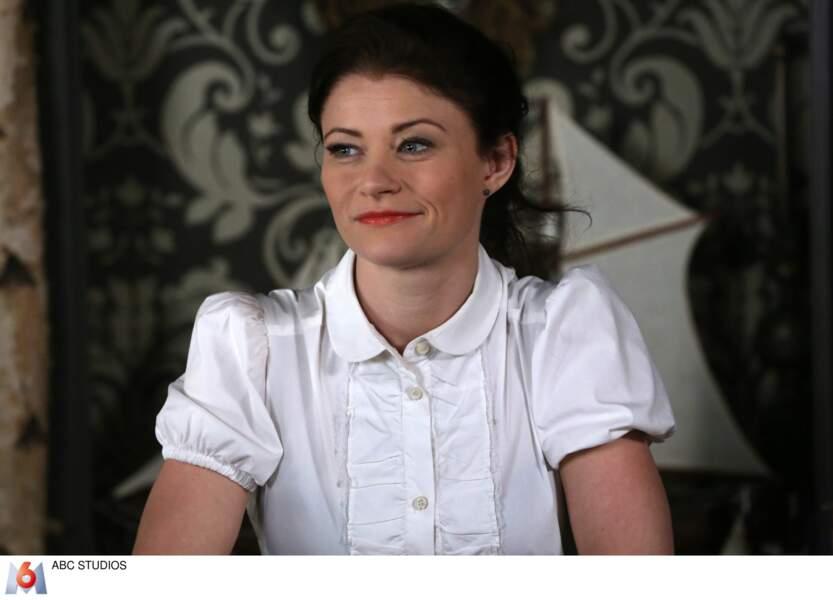 Emilie de Ravin a ensuite fait partie du casting de Once Upon a Time dans le rôle de Belle