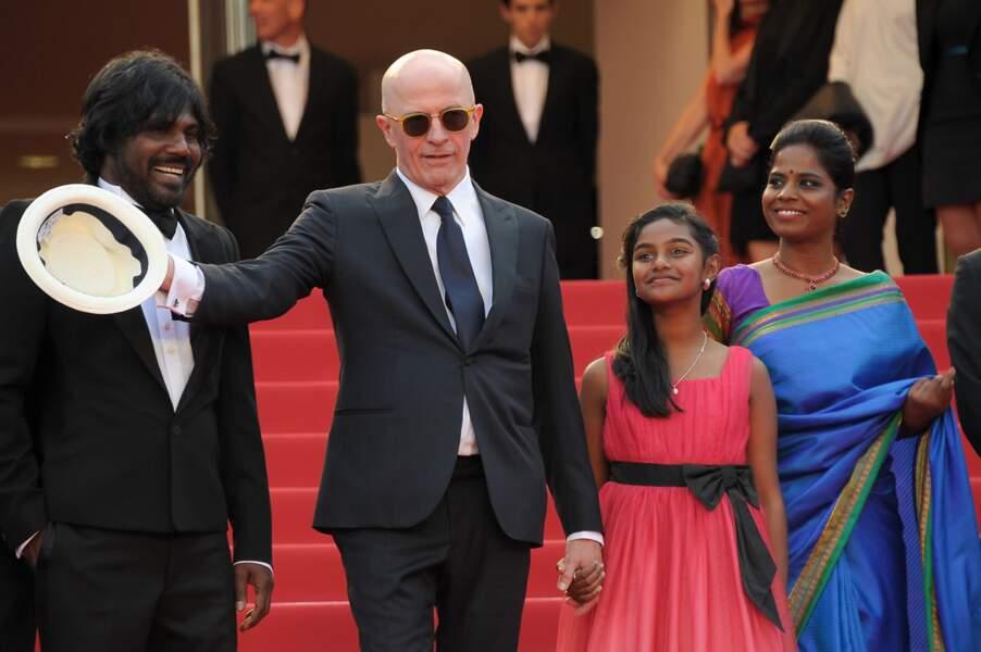 """Une partie de l'équipe du film """"Dheepan"""" pour la montée des marches au Festival de C"""