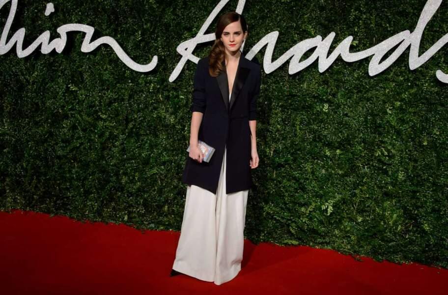 La jolie Emma Watson (on l'a connue plus inspirée niveau look)