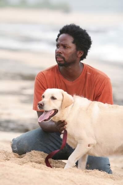 Et voici Michael, qui s'est retrouvé sur l'île alors qu'il venait de récupérer son fils à Sydney, Walt