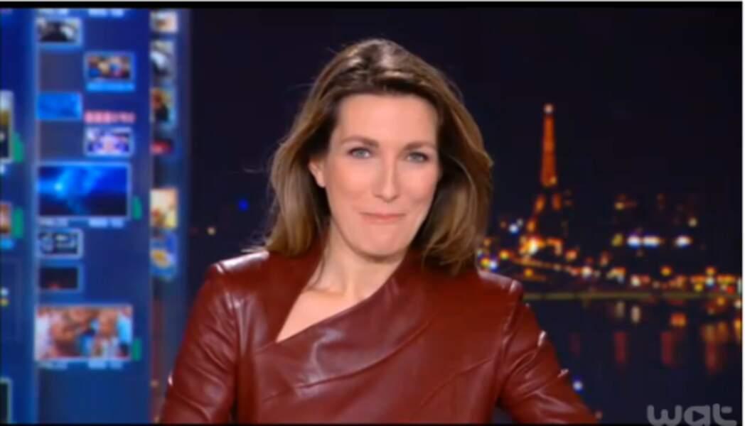 La robe en cuir qui a fait parler : Anne-Claire Coudray dévoile ses formes malgré elle en plein JT