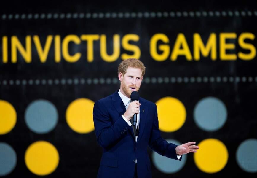 Mais quand Harry est monté sur scène pour faire un discours durant la cérémonie…