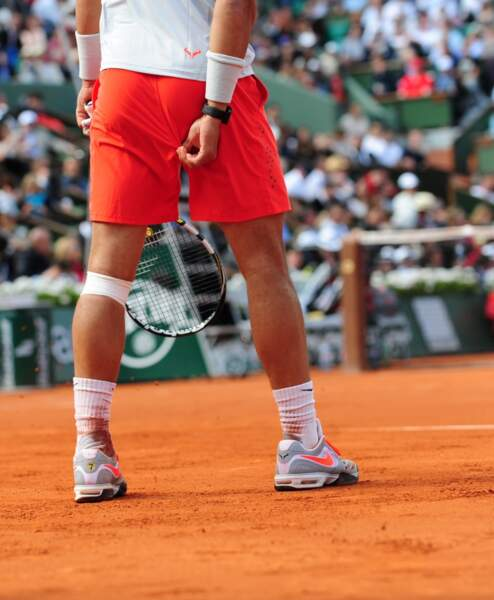 Point fashion N°4 : Rafael Nadal a toujours des problèmes avec son short.