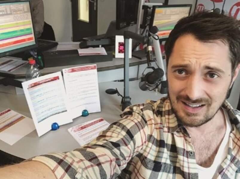 On espère que vous aviez l'air plus heureux que Vincent Cerutti au boulot cette semaine.