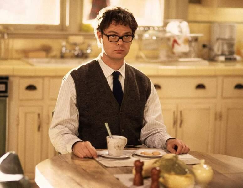 Arthur Martin (Rainn Wilson), avec sa tête de premier de la classe, est le stagiaire mortuaire le plus improbable.