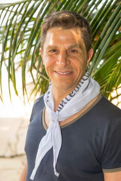 Amir a 46 ans et est directeur commercial dans les Yvelines