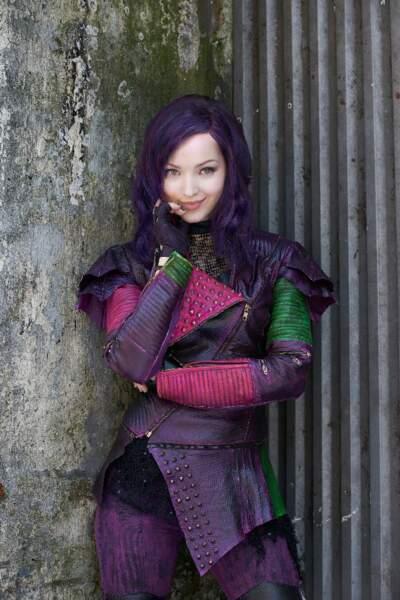 Mal, la fille de Maléfique, a opté pour des cheveux violets...