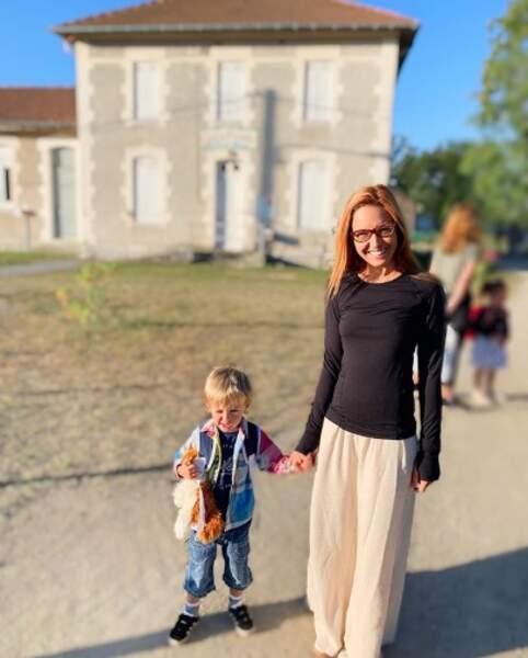 Bixente, le fils de Natasha St-Pier, a pris le chemin de l'école.